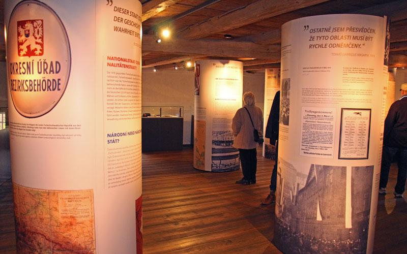 Litfaßsäulen für Ausstellung auf Schloss Weesenstein